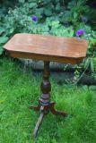 Pikkupöytä