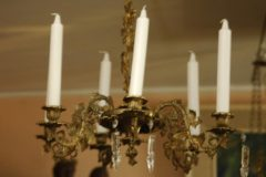 Uusrokokoo  valaisin kynttilöillä