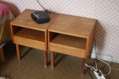 Tiikki yöpöydät