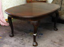 Chippendale pöytä