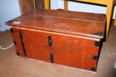 Tasakantinen kirstu 1842