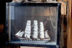 Laiva lasivitriinissä