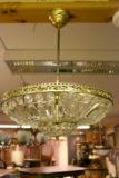 Vanhahko kristallikruunu plafondi